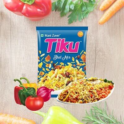 Blue color packet of bhel mix with some vegetables